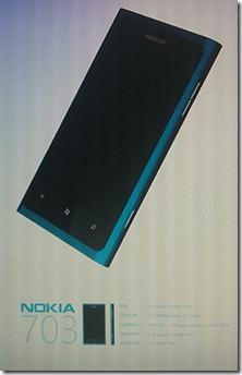 Nokia 703: první finský Windows Phone znovu na scéně