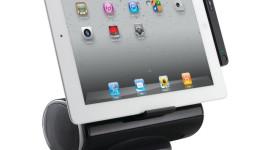 Nový iPad a příslušenství Logitech