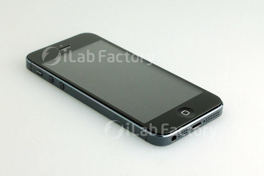 Máme další uniklé snímky iPhone 5, reálné?