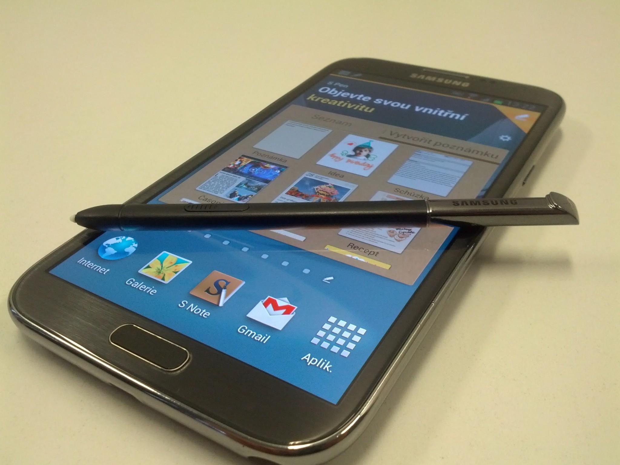 Galaxy Note III – stejná velikost jako Note II, ale s větším displejem