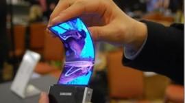 Flexibilní displej neznamená ohebný mobil – důkaz místo slibů