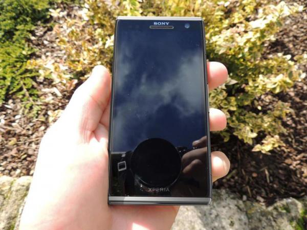 Sony chystá protivníka pro iPhone 5 a Galaxy SIII