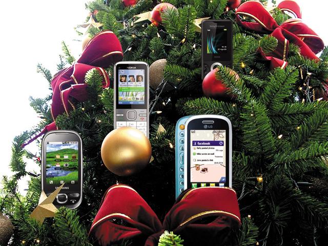 Vánoce 2012: Jaký smartphone vybrat kolem 4000 Kč
