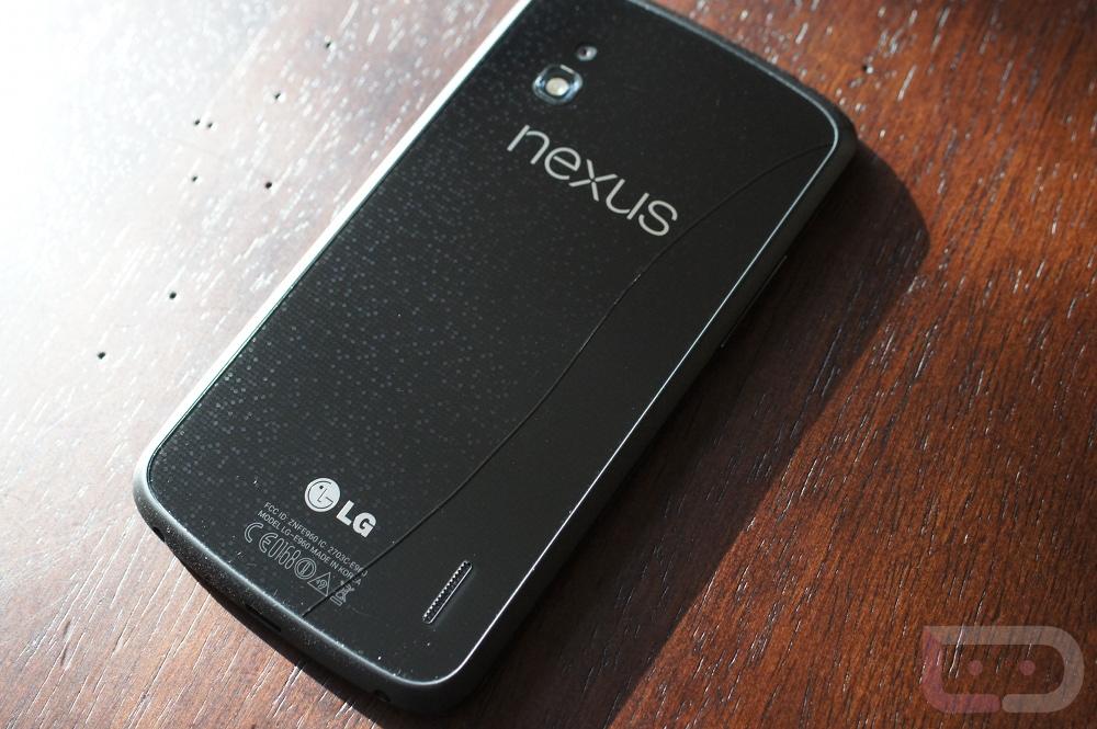 Google Nexus 4 může trpět defekty zadní skleněné části