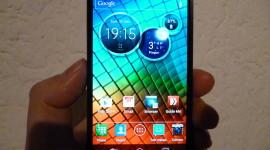 "Motorola Razr I – ""Intel powered"" smartphone [recenze]"