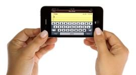 Sprint neprodal zákazníkovi iPhone 4 kvůli jeho tlustým prstům