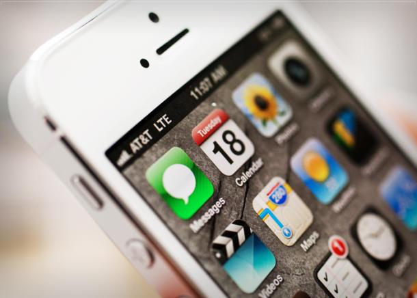 Apple spustil ve svých obchodech výměnný program na iPhone