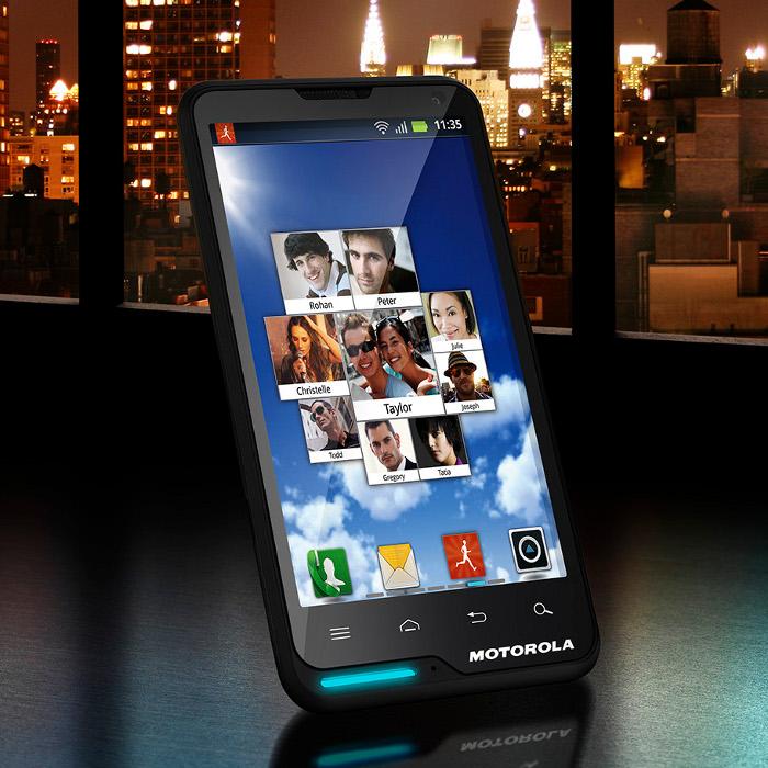 Motorola Motoluxe XT615 – Za málo peněz, hodně muziky?
