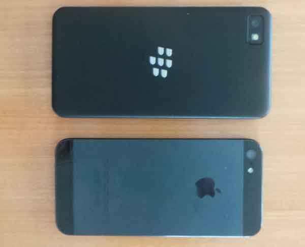 iPhone 5 vs. BlackBerry Z10 – rozdílné ovládání a porovnání hlasového ovládání [video]