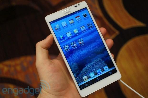 Huawei uvedl očekávaný Ascend Mate a přidal Ascend D2 [CES 2013]