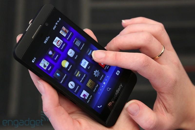 Společnost BlackBerry uvedla nové smartphony Z10 a Q10