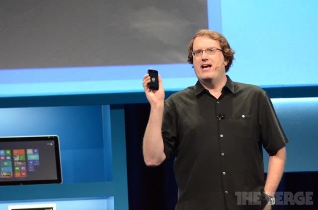 Nové Intel čipy Atom ve znamení nízké spotřeby a vysokého výkonu  [CES 2013]
