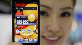 Samsung a Apple utrhli 52 % trhu za Q4, 3. místo je nejasné