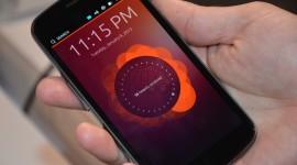 První zařízení s Ubuntu Touch přijde příští rok