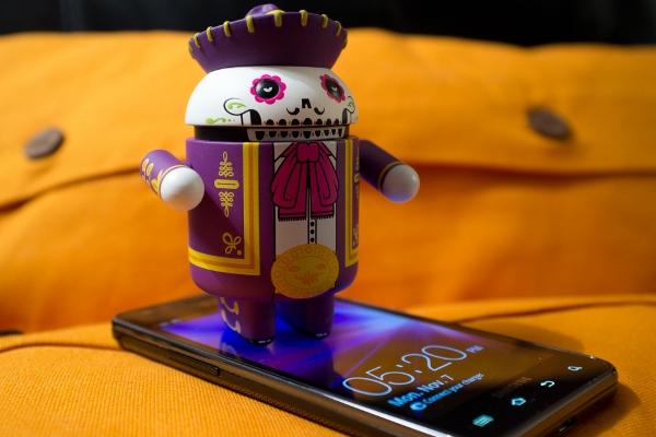 První firmy řekly ano čistému Androidu