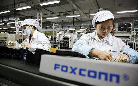 Foxconn zřejmě začne vyrábět vlastní smartphony