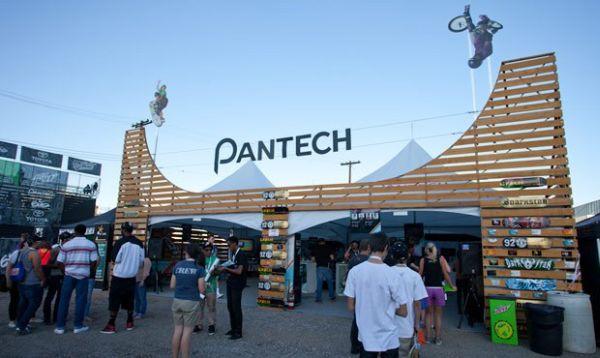 Samsung kupuje podíl konkurenční firmy Pantech