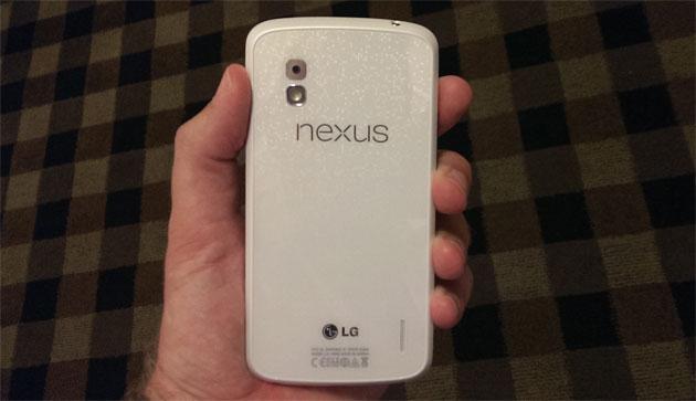 Bílý Nexus 4 a Android 4.3: datum uvedení možná již 10. června