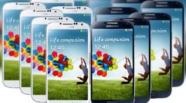 Samsung snižuje výrobu Galaxy S4 až o 50 %