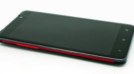 HiWave HI5X novým klonem HTC Butterfly