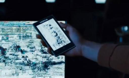 Nokia Lumia 925 ve filmu se Supermanem