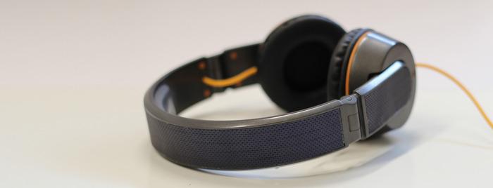 OnBeat – sluchátka, která nabijí váš smartphone