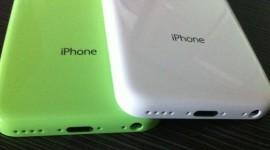 iPhone 5S a iPhone 5C? Fotografie to naznačuje
