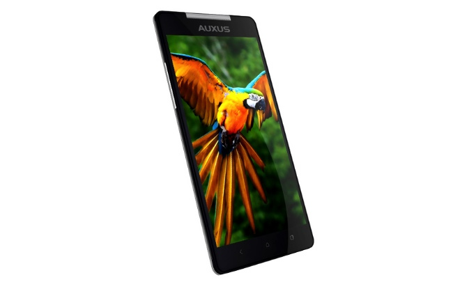 iBerry Auxus Nuclea N1: Indická super novinka s Full HD
