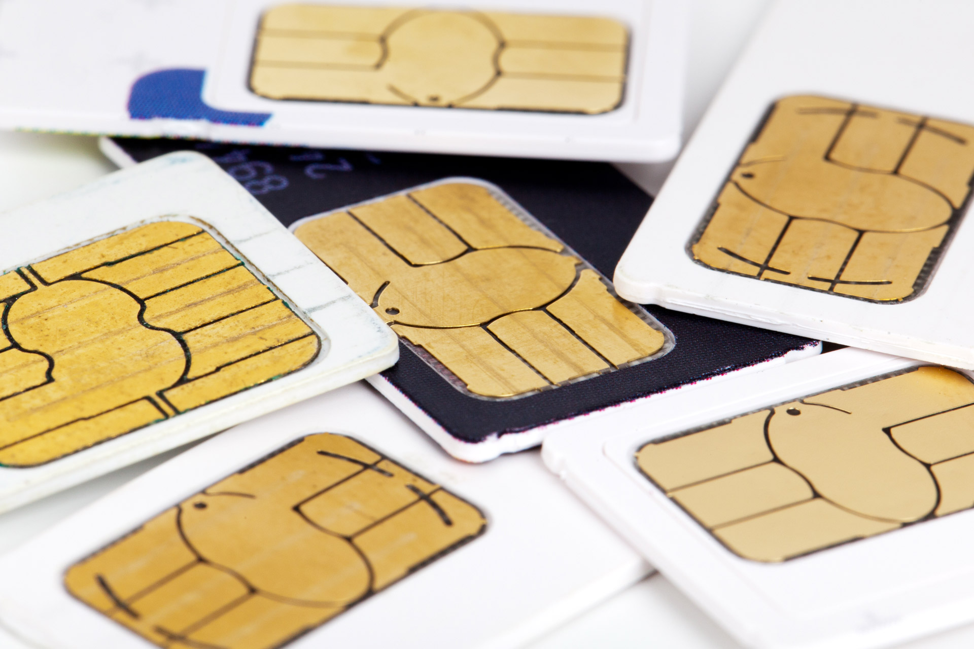 Brzy se objeví mobil na 3 SIM karty