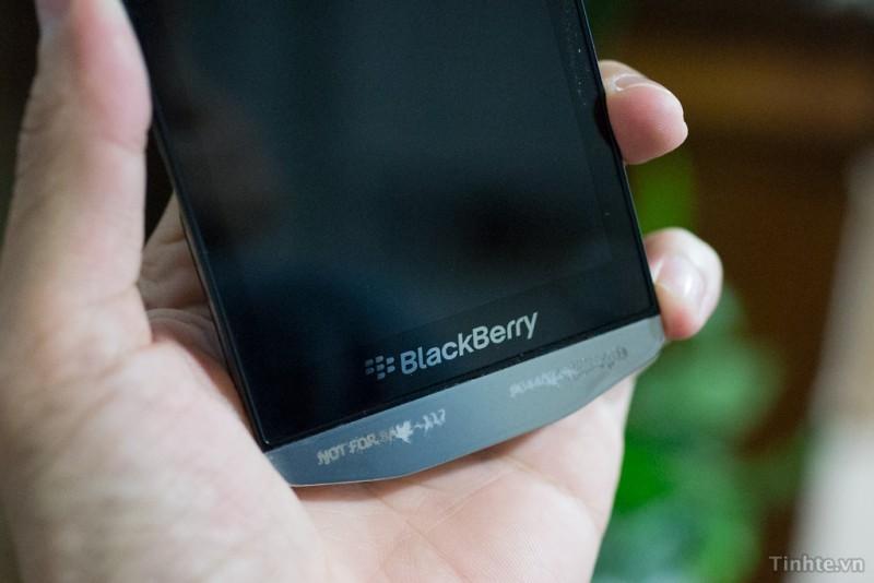 BlackBerry Z10 Porsche Design: První uniklé snímky