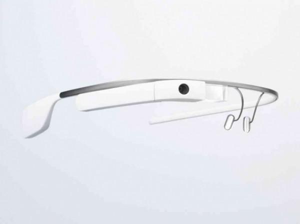 Google zakoupil patenty od Foxconnu pro Glass