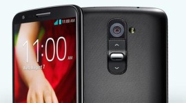 LG G2 s vyměnitelnou baterií, microSD kartou a srovnání foťáků