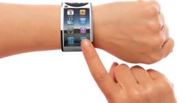 Safírové sklo dostanou dříve iWatch než iPhone 6