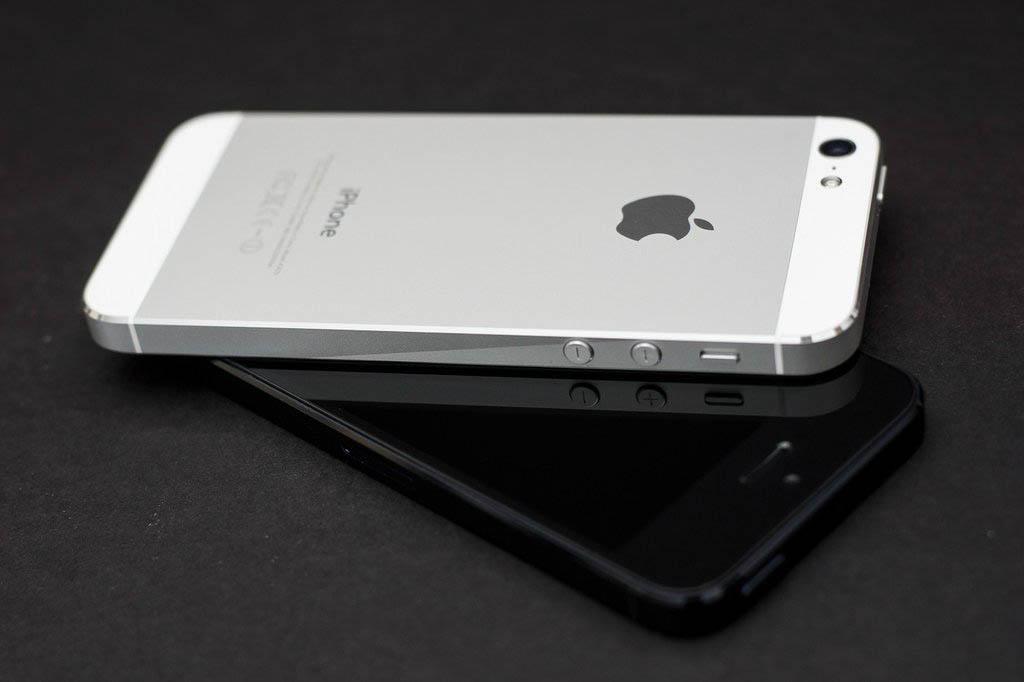 Apple – loajalita majitelů iOS zařízení je vysoká, ale nových zákazníků je méně