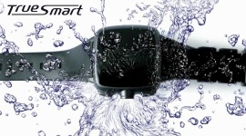 Chytré hodinky Omate TrueSmart s 3G, foťákem a Androidem 4.2.2