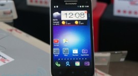 Lenovo uvedlo lehký tablet a Full HD smartphone