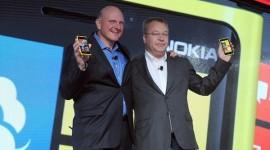Microsoft kupuje část Nokie – utratí 7.2 miliardy dolarů