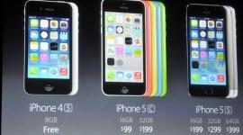 První videa od Applu a srovnání iPhonů 5S, 5C a 5