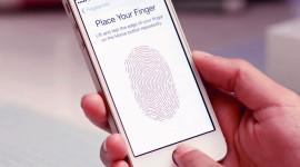 iPhone 5S – odemknutí bradavkou a zkopírování otisku [videa]