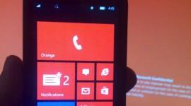 Uniklé snímky Windows Phone 8.1 ukazují notifikační centrum