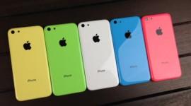 Apple: plné sklady iPhonu 5c a očekávaný úspěch iPhonu 6