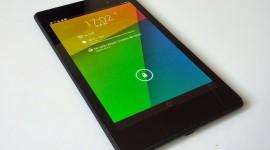 Bílé ikony v Androidu 4.4 budou muset používat i výrobci