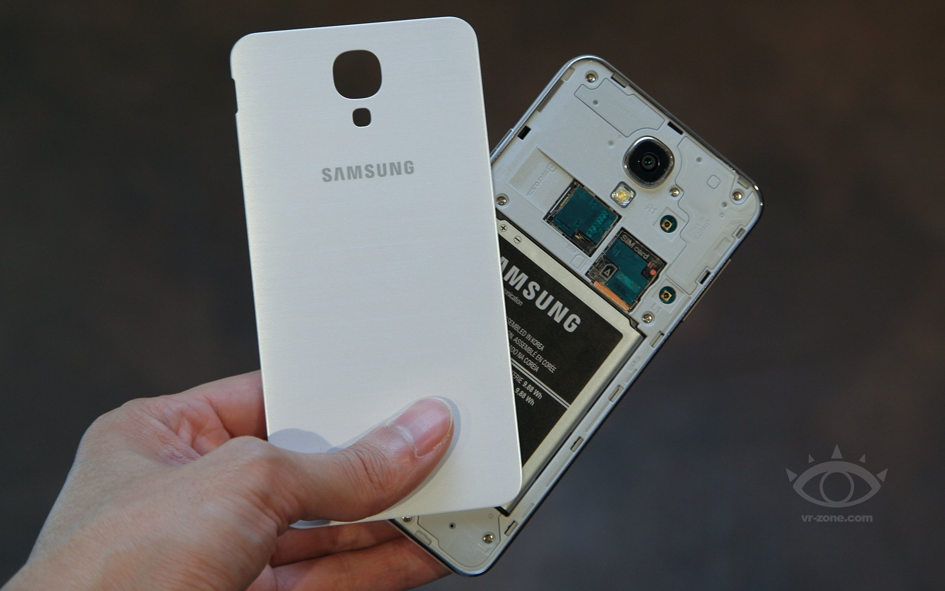 Samsung telefony se solárním nabíjením možná už příští rok
