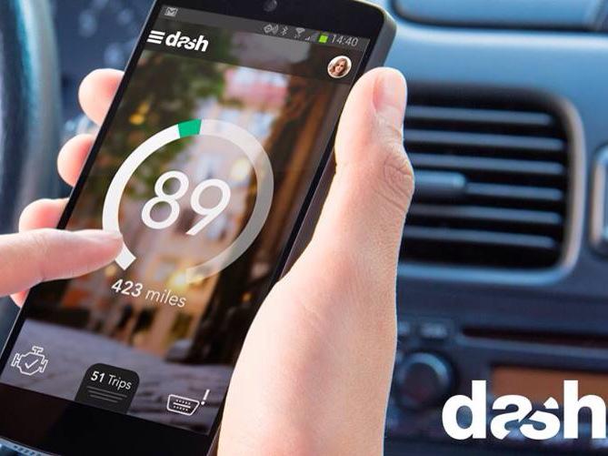 Dash – Fitbit pro automobily