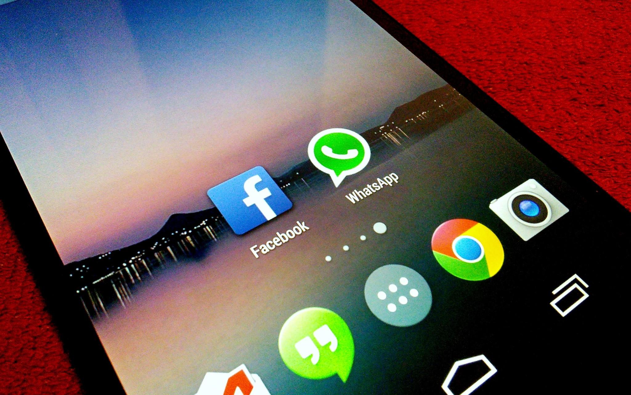 Facebook kupuje WhatsApp za 19 miliard dolarů