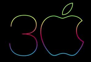 Mac slaví 30 let – doprovází jej iPhone 5s [videa]