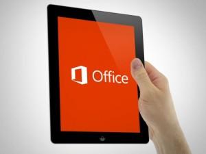 microsoft-office-13-ipad-in-hand-640x480