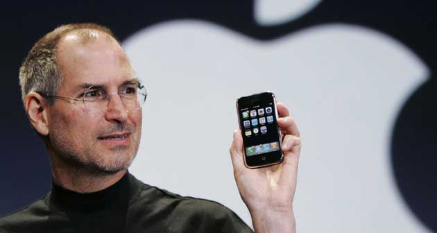 steve-jobs-iphone-presentation