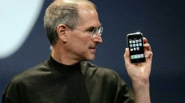steve-jobs-original-iphone