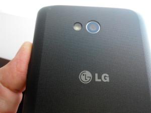 LG L80 - záda